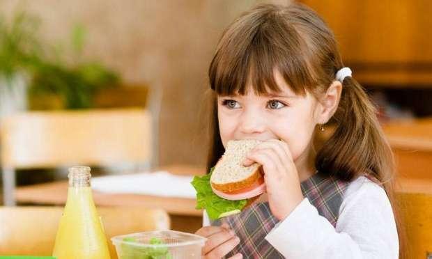 Okul Başarısı Sağlıklı Beslenmeden Geçiyor
