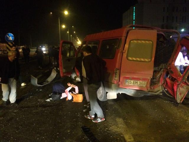 Samsun'da İşçi Servisi Kaza Yaptı: 1 Ölü, 14 Yaralı