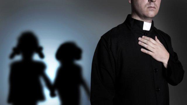 Vatikan, Çocuklara Tecavüz Ettiği Söylenen Rahibi Suçsuz Buldu