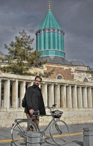 Mevlana'nın İzinde İran'dan Konya'ya Geldi, Bisikletli Yolculuğunun Kitabını Yazdı