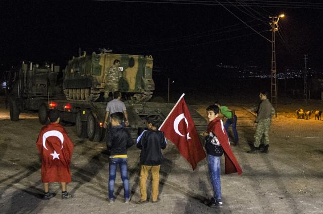 Mehmetçik Böyle Karşılandı : Çok Yaşa TÜRK Askeri