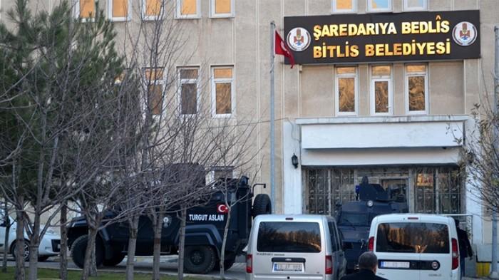 Bitlis Belediyesi'ne Operasyon! Belediye Eş Başkanları Gözaltında
