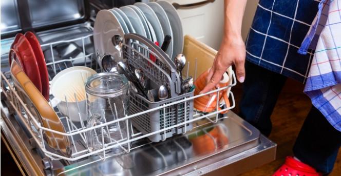 Bulaşık Makinesinde Yıkanmaması Gereken Ürünler
