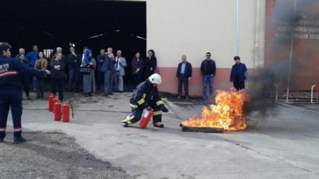 Öğretmenlere Yangın Söndürme Eğitimi