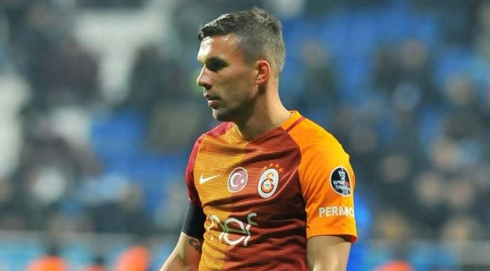 Çin Kulübü Transferi Yalanladı, Podolski 'Transfer Söylentisi' Dedi